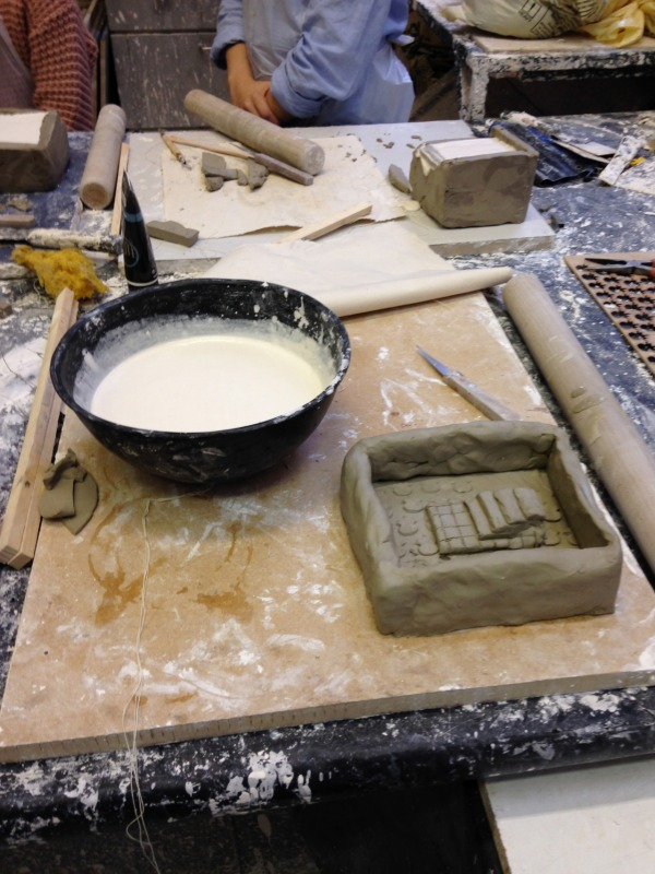 Experimenting plaster and clay modeling