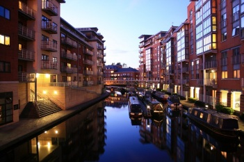 birmingham_canalside_apartments_at_dusk2