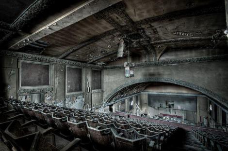 Explore-the-abandoned-Birmingham-Palladium-Cinema-in-Hockley-4